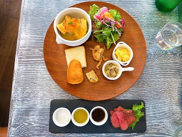 Photos: 日替わりランチと限定のローストビーフ@Brasserie Gent