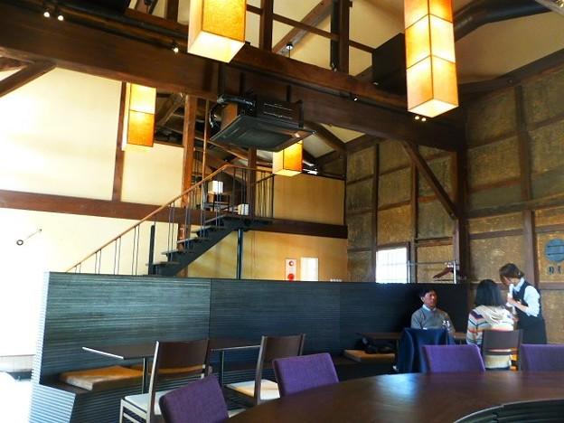 築100年以上の発酵蔵をリノベートしたレストラン