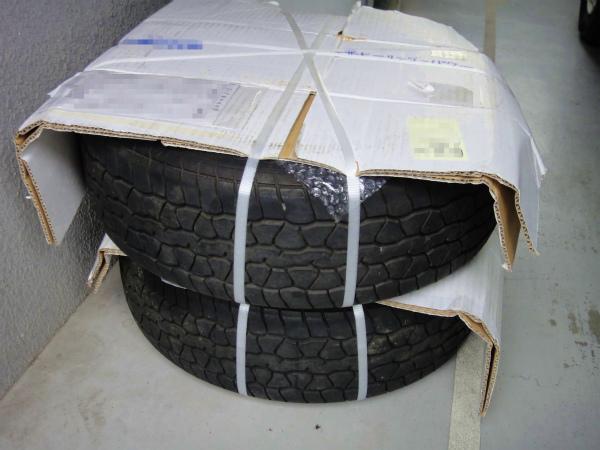 純正タイヤを履いたNA8純正バフがけタイプのホイール