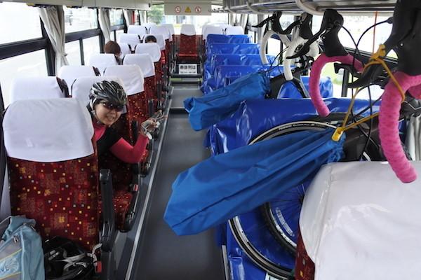 サイクルエキスプレスのバスには自転車を載せられる