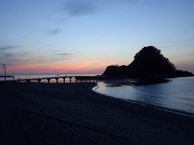 写真: 29 GW 山形 由良海岸の夕焼け 1