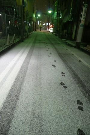 雪の日の路地