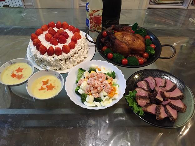 写真: クリスマスご飯
