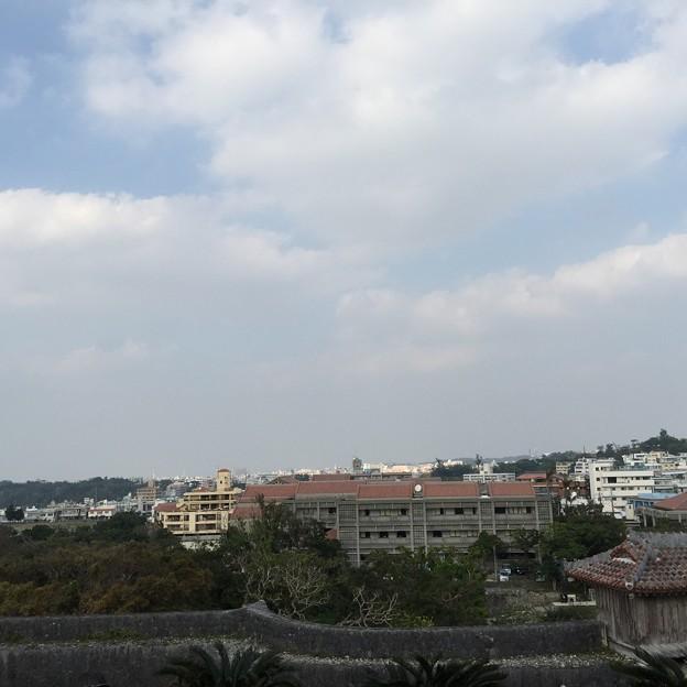 写真: 那覇市内