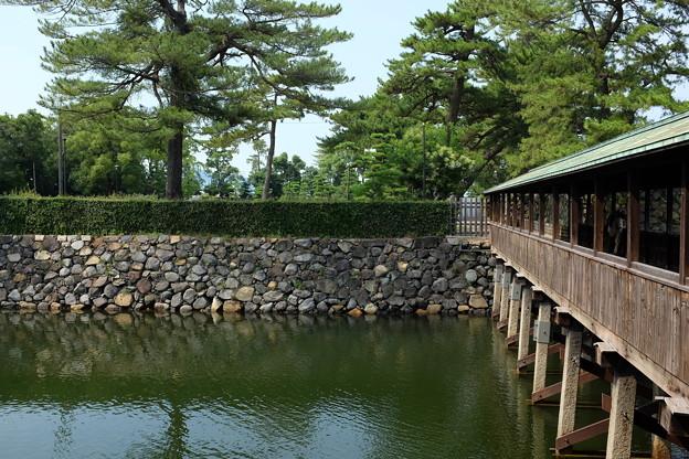 高松城の堀と石垣
