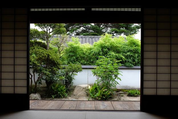 旧埴原家の和室と庭