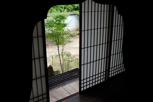 旧埴原家の花頭窓