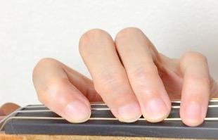 左手の指の筋トレ方法