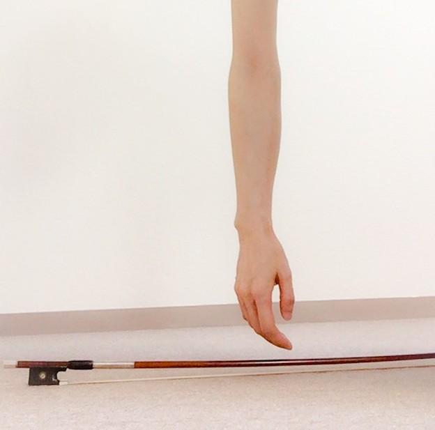 弓に圧力をかける1 東京・中野・練馬・江古田、ヴァイオリン・ヴィオラ・音楽教室