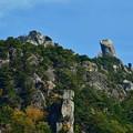 写真: 林立する奇岩たち