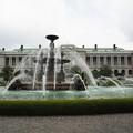 写真: 迎賓館赤坂離宮と噴水