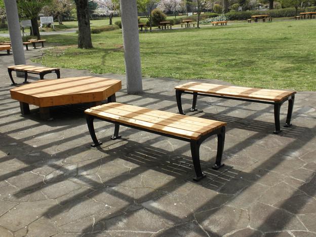 公園のベンチ(小林宏純)