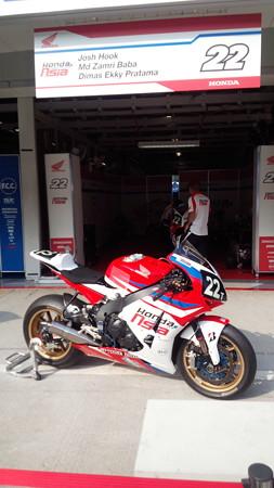 101 2014 Honda Team Asia ジョシュ ホック CBR1000RR ザムリ ババ 鈴鹿8耐 ディマス エッキー プラタマ SUZUKA8HOURS 1