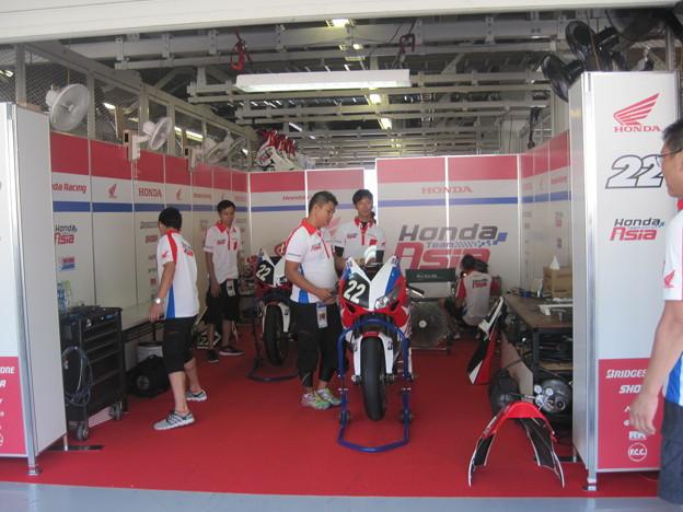 写真: 104 2014 Honda Team Asia ジョシュ ホック CBR1000RR ザムリ ババ 鈴鹿8耐 ディマス エッキー プラタマ SUZUKA8HOURS IMG_9241