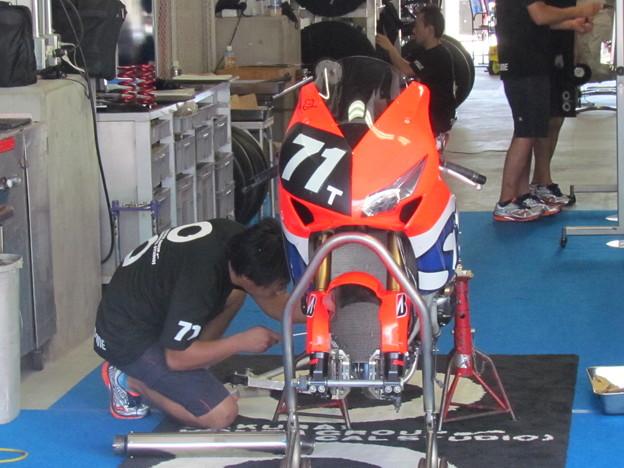 写真: 2014 鈴鹿8耐 Honda DREAM RT SAKURAI ジェイミー スタファー トロイ ハーフォス 亀谷長純 CBR1000RRSP 31