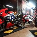 写真: 2014 鈴鹿8耐 Honda DREAM RT SAKURAI ジェイミー スタファー トロイ ハーフォス 亀谷長純 CBR1000RRSP 750