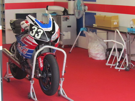 2014 鈴鹿8耐 SUZUKA8HOURS Honda 熊本レーシング 吉田光弘 小島一浩 徳留和樹 CBR1000RR 9186