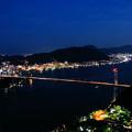 写真: 火の山から見る関門橋夜景