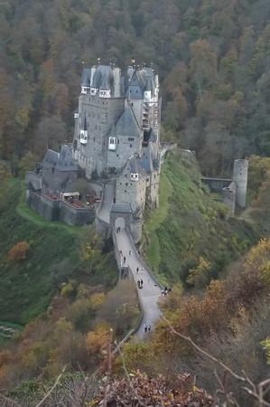 ドイツ・エルツ城1124